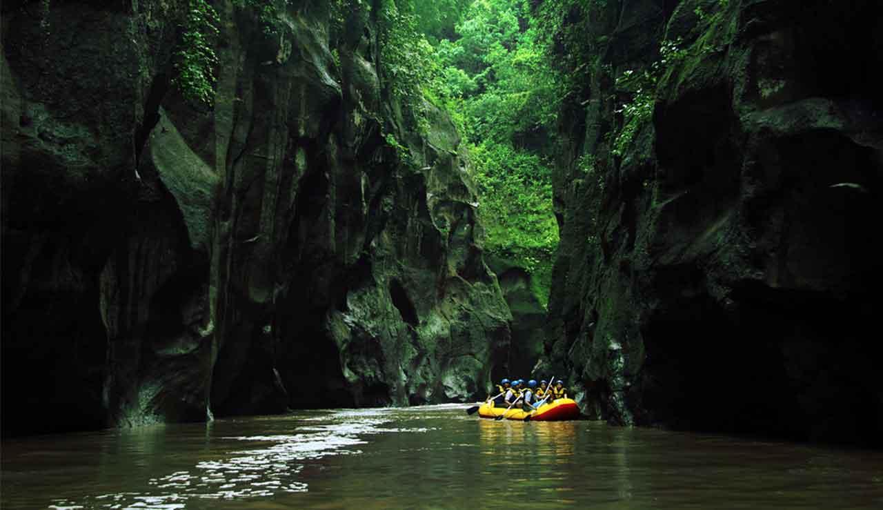 rafting di pekalen, www.songa-rafting.com, 085755059965